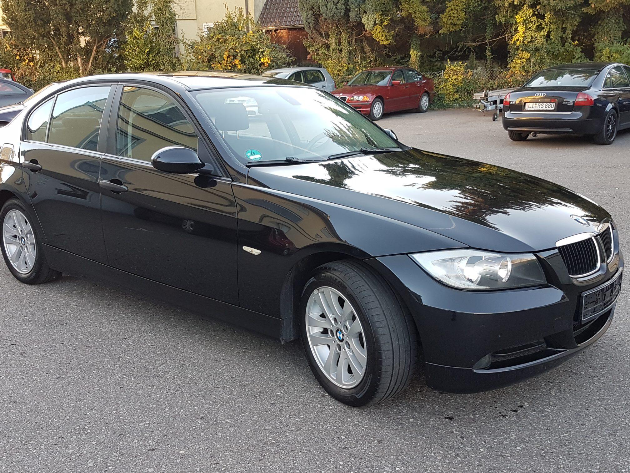 BMW318i E90